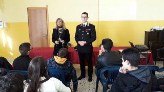 la Dirigente scolastica Filomena Rita Folino e il capitano De Francesco
